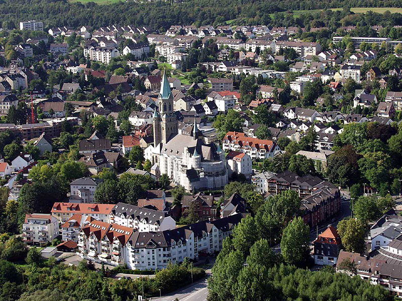 Luftbildaufnahme Kiliansdom - Oberdorf - Nordfeld