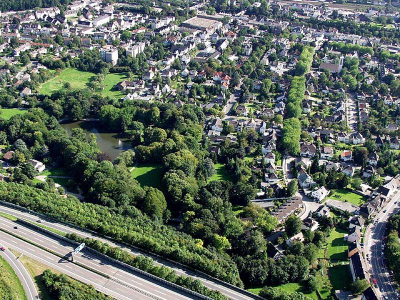 Luftbildaufnahme Volksgarten - Berliner Allee - Innenstadt