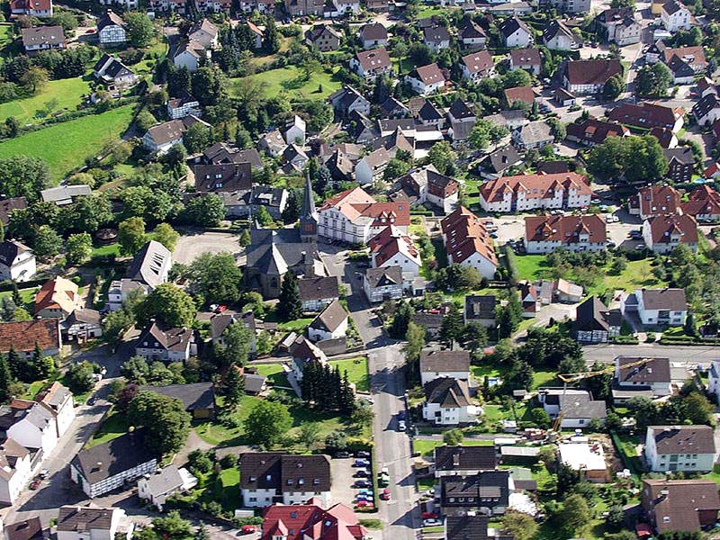 Luftbildaufnahme Evangelische Kirche - Oestrich