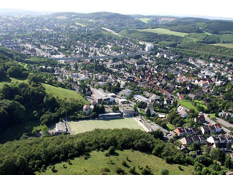 Luftbildaufnahme Schleddestadion - Gewerbegebiet am Burgberg