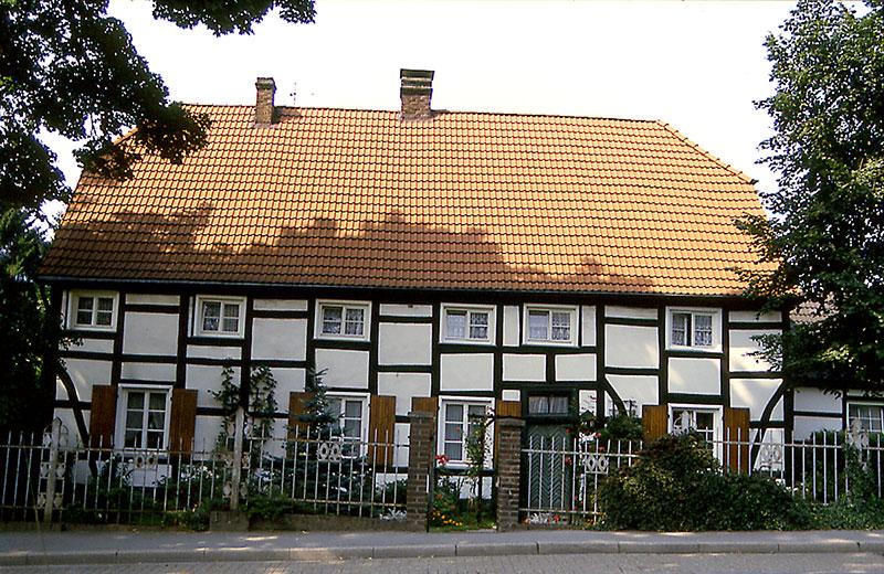 Oestrich Pastorat an der Brinkhofstraße