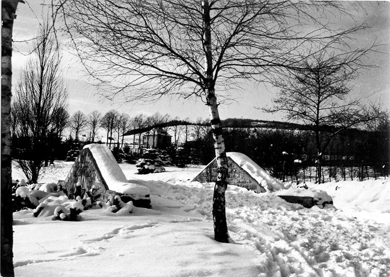 Volksgarten Winterimpressionen (ca. 1950) Steinerne Brücke über den Flehmebach